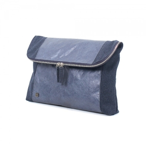 A :bag the basic_clutch_f(navy)